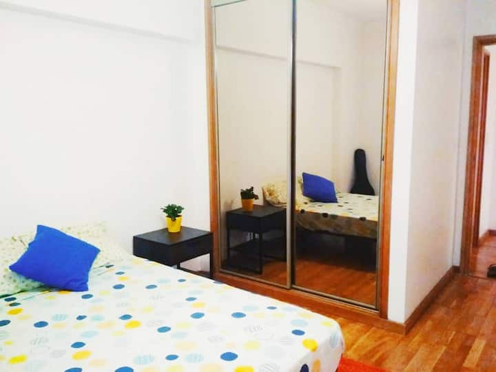 Cosy Private Room in the Modern Side of Lisbon