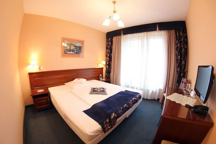 Pokój nr 204 (dostępny dla 1 lub 2 osób)