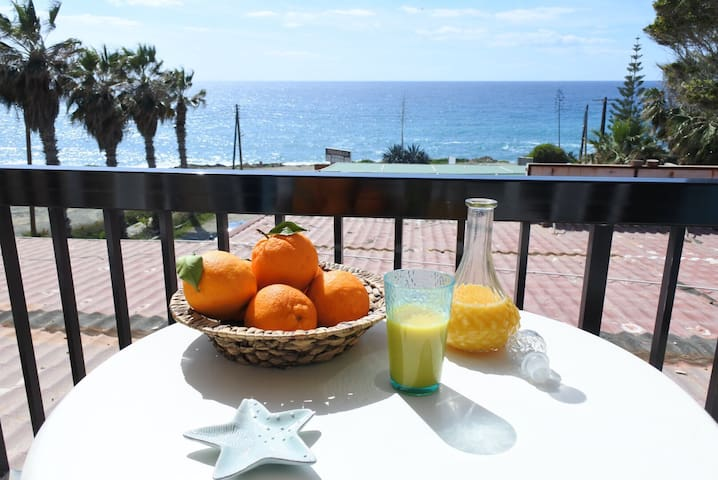 1 bdr apt with sea&sunset view/100m from the beach