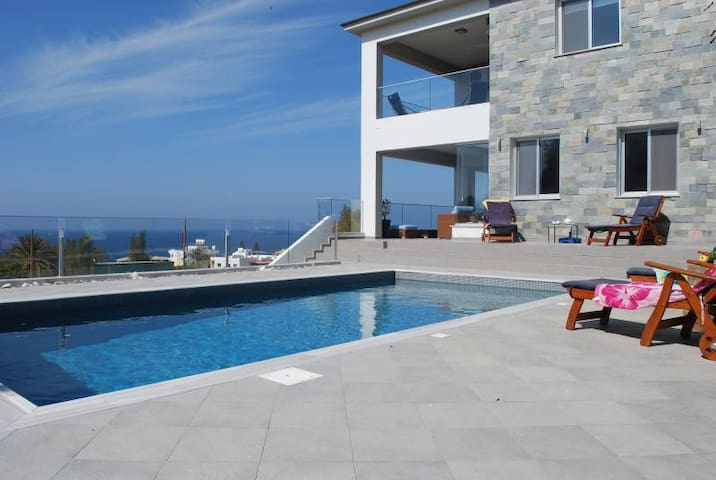 Mariza seaview villa - Pomos - Willa