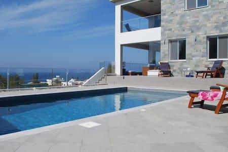 Mariza seaview villa - Pomos