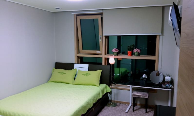 43층, 멋진 낙동강변 뷰, 안락한 Sunny Room