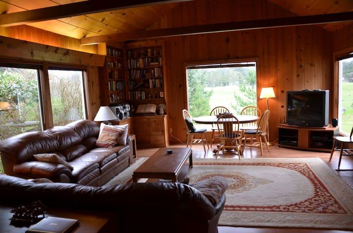 Charming Gearhart Beach Home - Gearhart - Casa