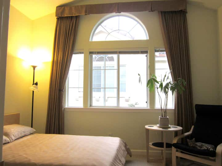 Cozy Specious Room with Private Bath & Huge closet