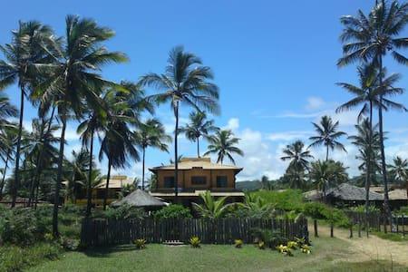 Casa  Sargi pe na areia km 30 Rod Ilheus Itacare
