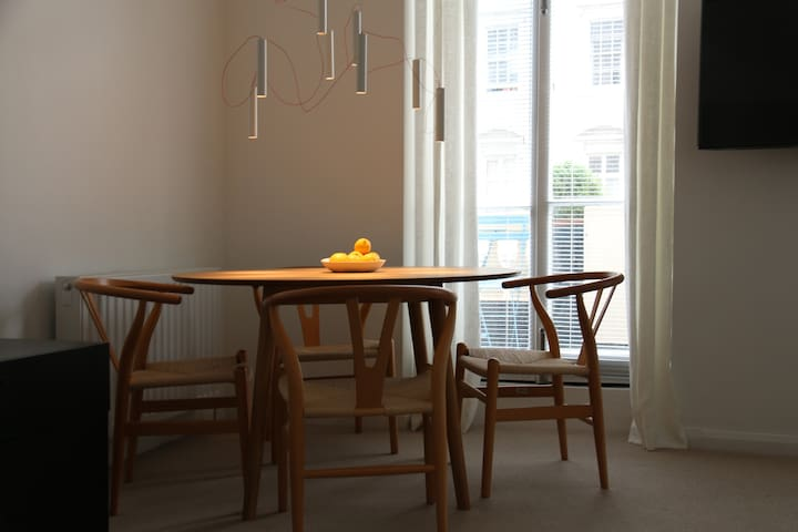 Dining table for 4 with access to private balcony (with French cafe table and chairs)