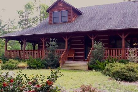 CozyBear Cabin Near ASU, Boone, Sleeps 12, Hot tub - Vilas - Haus