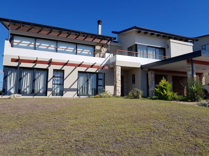 STILBAAI MANSION WITH GREAT SEAVIEW