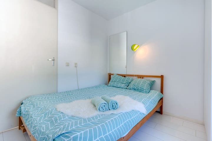 special price januari small cosy studio. 2 rooms