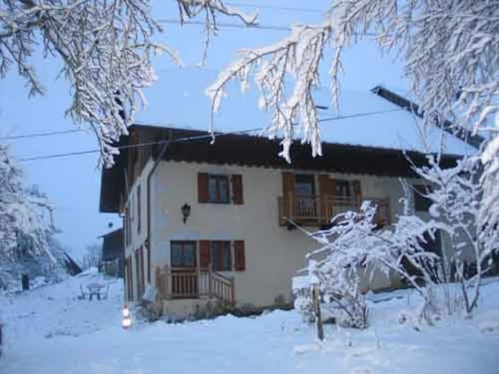 maison sur les hauteurs du lac d'Annecy