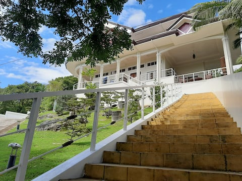 Canoy 's Mansion Apartelle