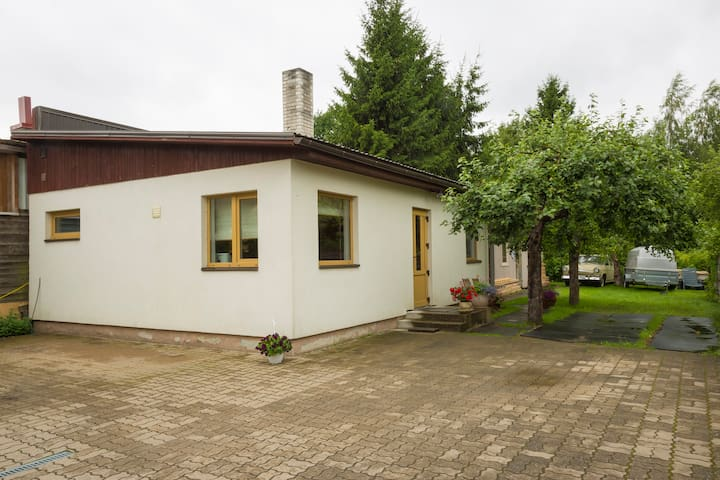 Little cosy garden house - Pärnu - Casa de huéspedes