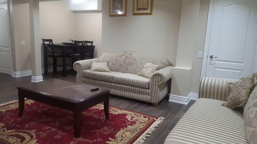 Cozy 1 Bedroom Unit + Private Bath + Great Price
