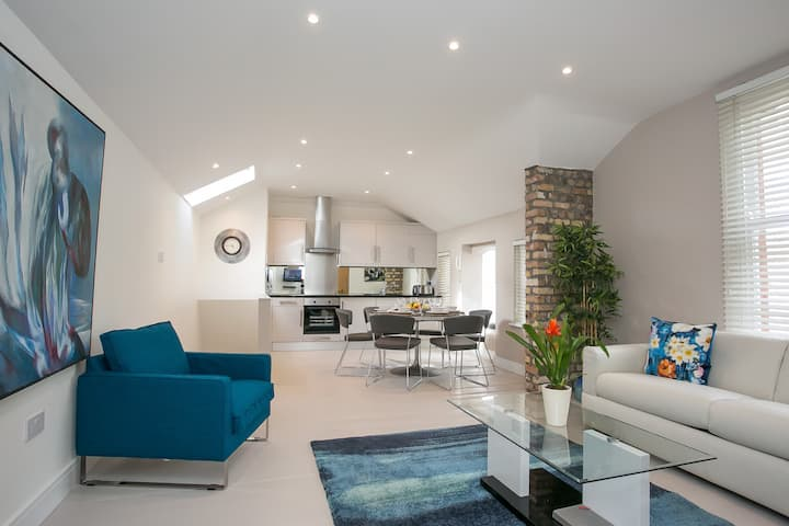 Ballsbridge Superb 3 Bedroom Lodge Duplex