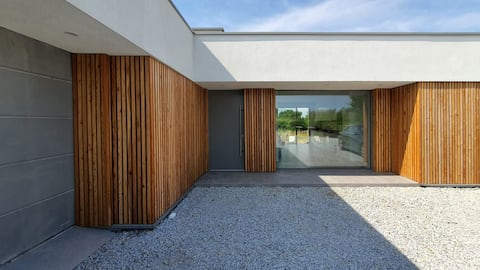 House at the Lake / Dom nad Jeziorem