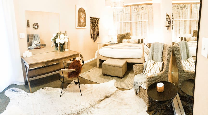 ~COZY private room .5 miles to trendy MASS AVE~