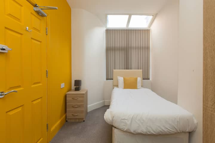 Townhouse @ Electricity Street - Single Room