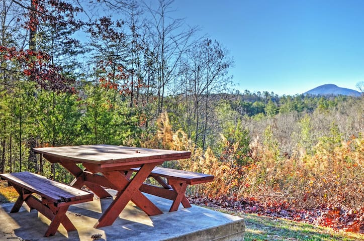 You'll love spending time outside look at the sweeping mountain views.