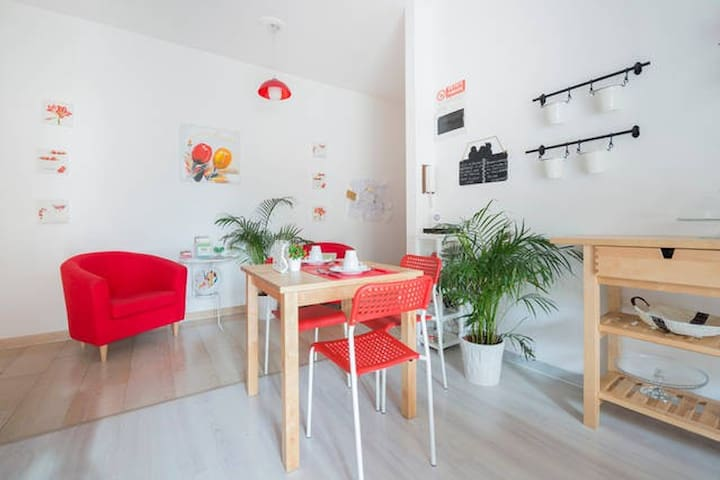 Single/Double room in Guest House - Milaan - Appartement