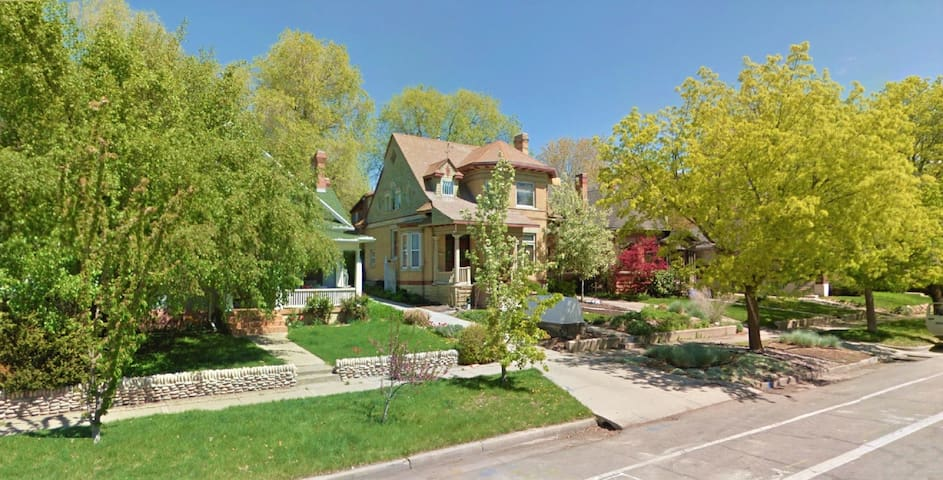 1-Bedroom Apartment in Downtown Historic District - Salt Lake City - Wohnung