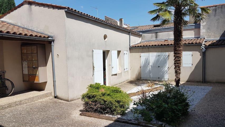 Grand Studio Vieux Port - Quartier Saint Nicolas