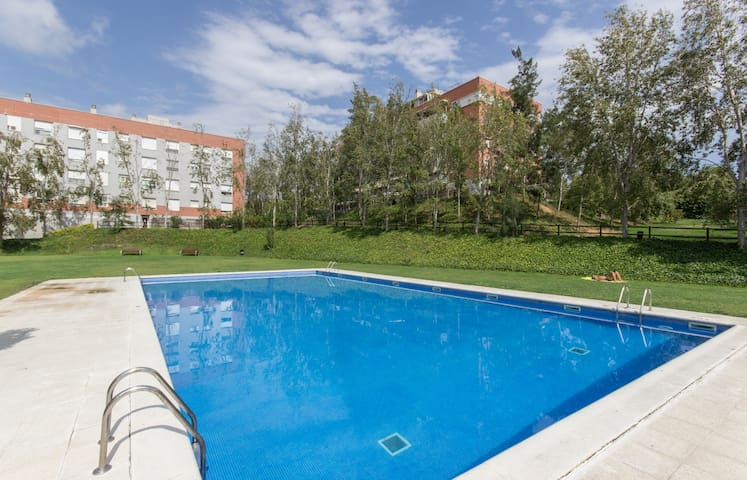 Apartment with big swiming pool near Tarragona