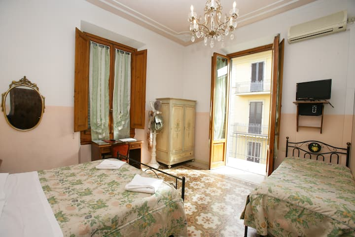Double or Twin Room Liberty Style and private bathroom with Balcony, Breakfast Buffet and Free Wi-Fi