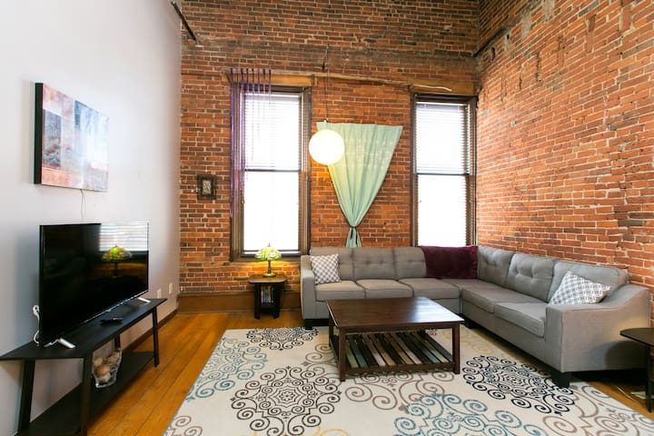 Downtown Main Street Loft