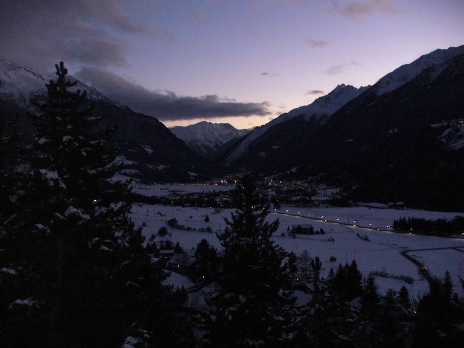 vista invernale al crepuscolo