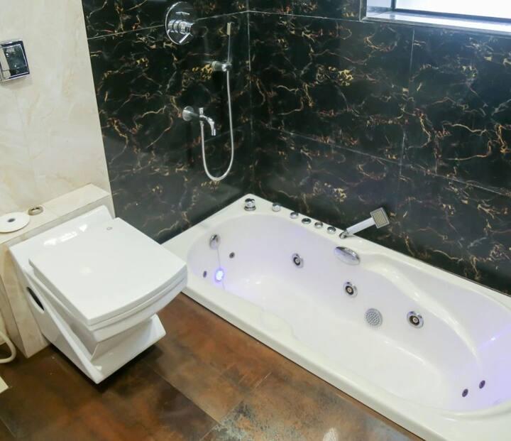 Luxury 3 BHK Villa with private pool in lonavala