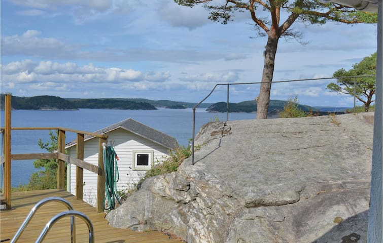 Holiday cottage with 3 bedrooms on 85 m² in Uddevalla