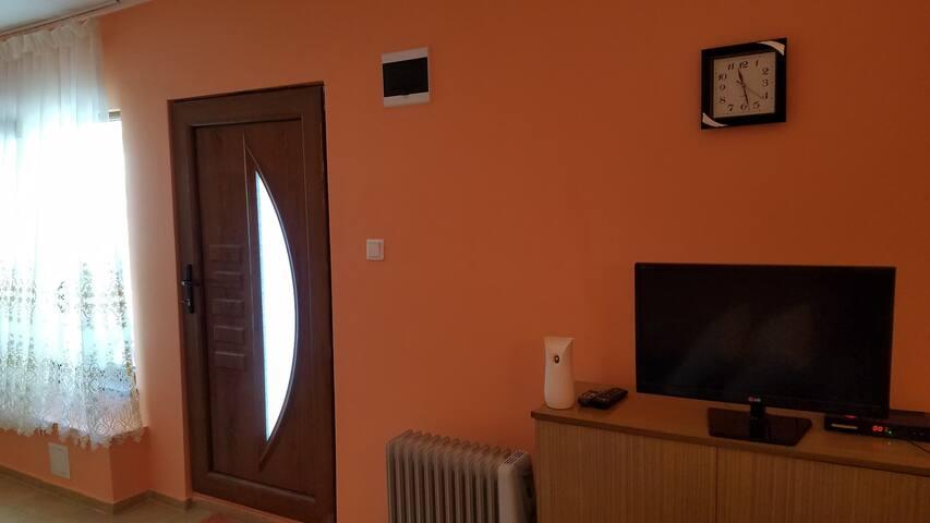 Уютно студио в центъра на гр. Сливен