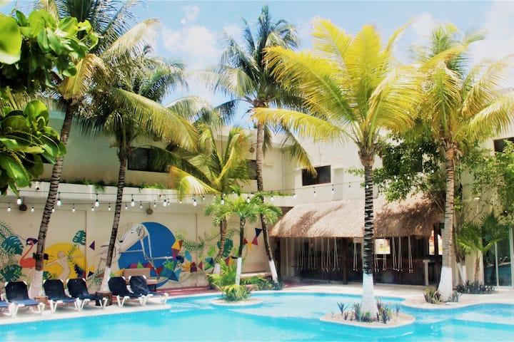 Jungle House Tulúm 24/7 Hotel