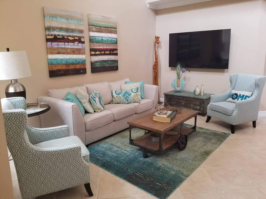 Front formal living room