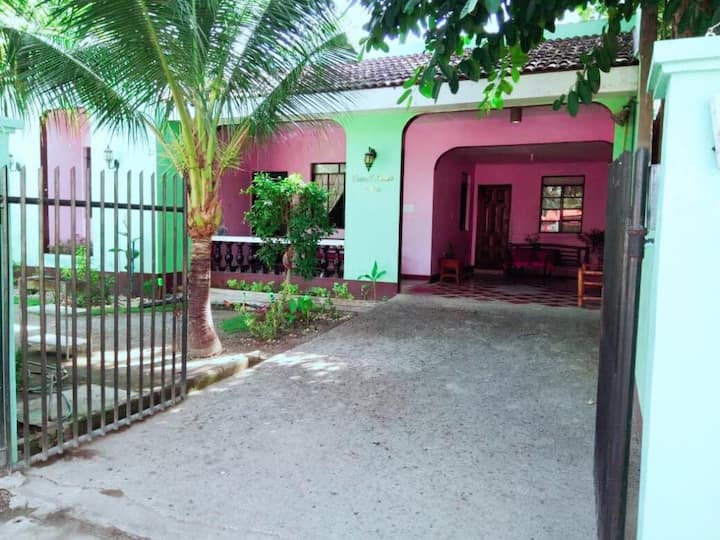 Cosy house close to white sand beaches of Sta Fe