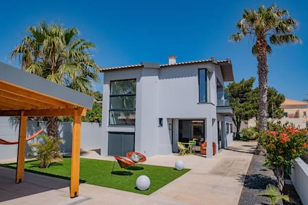 Studio Flat -A Casa do Gois, near centre and beach