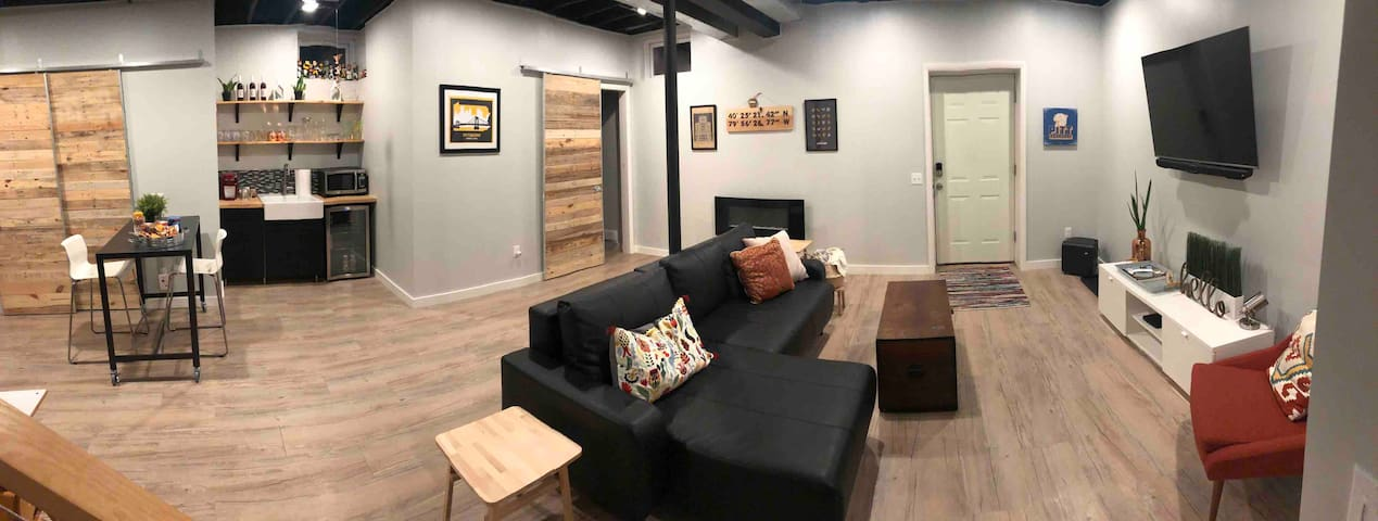 NEW, MODERN & PRIVATE STUDIO; Close to Everything!
