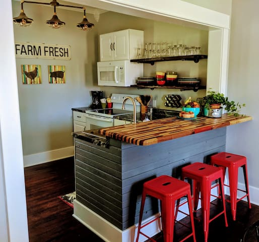 Kitchen with breakfast bar. Everything you need to whip up a meal.