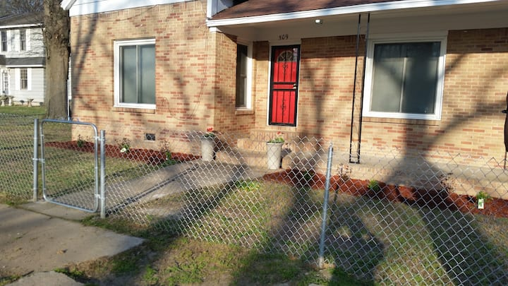 FULLY LOADED 3 BR Home 2Bath Wash/D