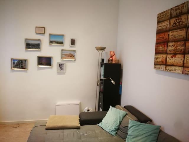 Ruhige und zentrale Wohnung in Köln am Hbf