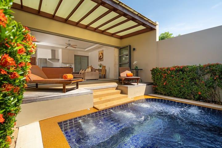 Plunge Pool Villa for 2 l Beach Parking