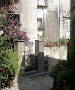 Adriana historical house - Scalea