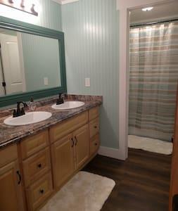 Spacious Private Room in Lehi - Lehi - House