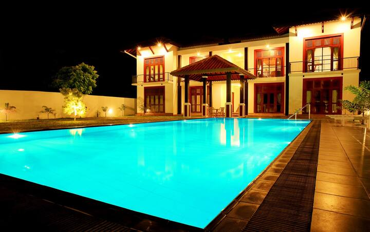 Christima Residence Deluxe double Room 4 - 2