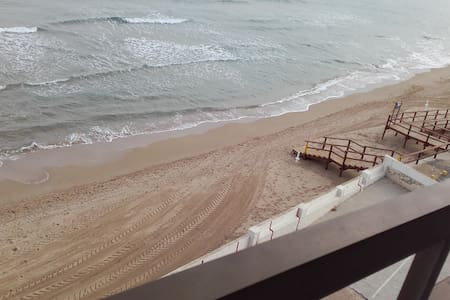 Piso de 3 habit.  1ª línea de playa. Espectacular! - Los Arenales del Sol - Apartament