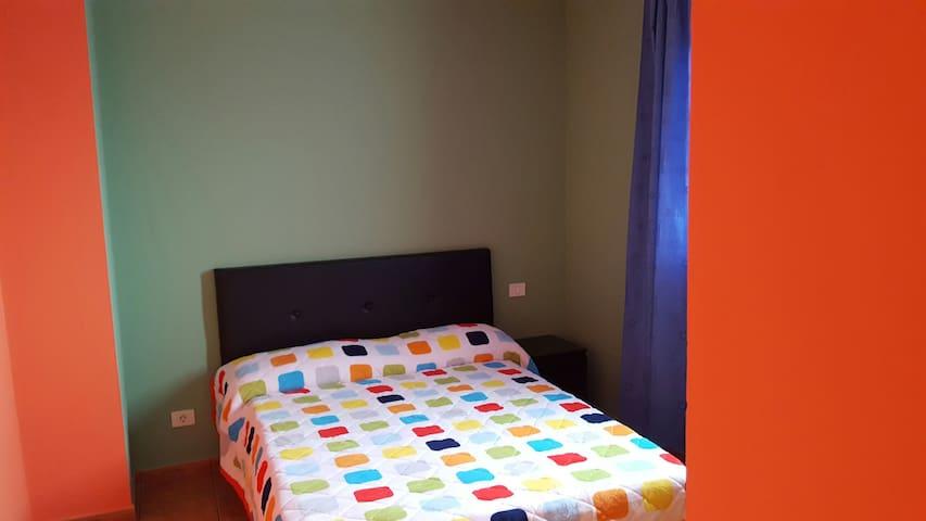 Casa con habitaciones cama grande - Telde - Ev