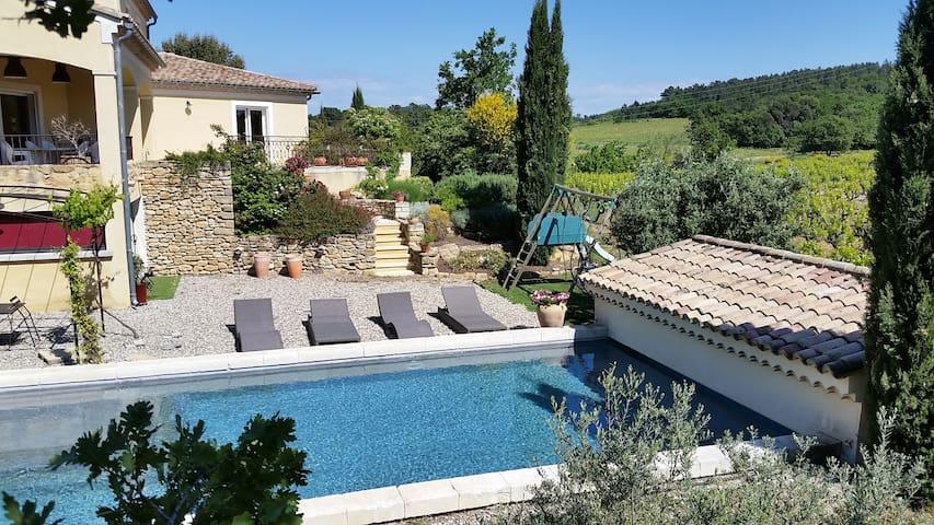 Vaucluse proche Orange Avignon pisc - Mondragon - บ้าน