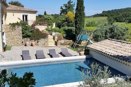 Vaucluse proche Orange Avignon pisc - Mondragon - Huis