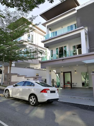 Luxury Modern designer house with 6Rooms - Ampang - Dom