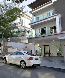 Luxury Modern designer house with 6Rooms - Ampang - Haus